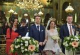 Δυο νέα παιδιά ενώθηκαν με τα ιερά δεσμά του γάμου